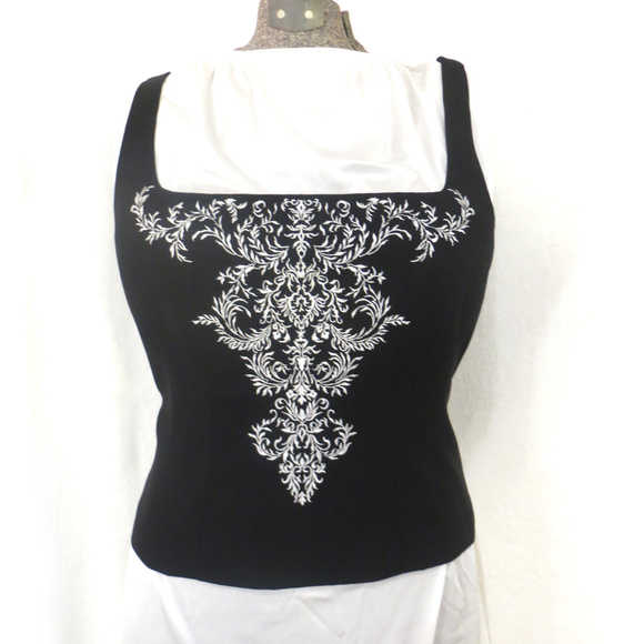 Maggy London Tops - Maggy London Black & White Embroidered Bustier